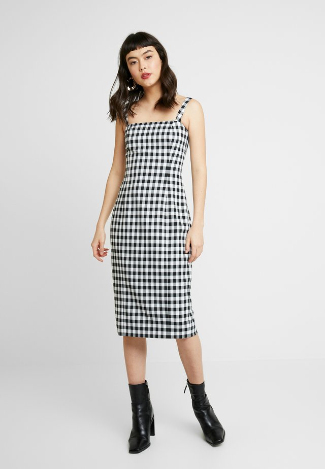 THE CROSS CHECK DRESS - Shift dress - black/white