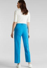 Esprit Collection - SHIMMER MIX + MATCH STRETCH-HOSE - Pantalon classique - dark turquoise - 2
