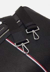 Tommy Hilfiger - DOWNTOWN SUPER SLIM COMP BAG - Briefcase - black - 2