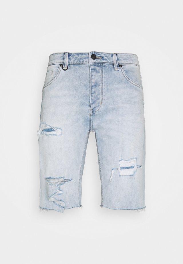 RAY - Jeansshorts - light-blue denim