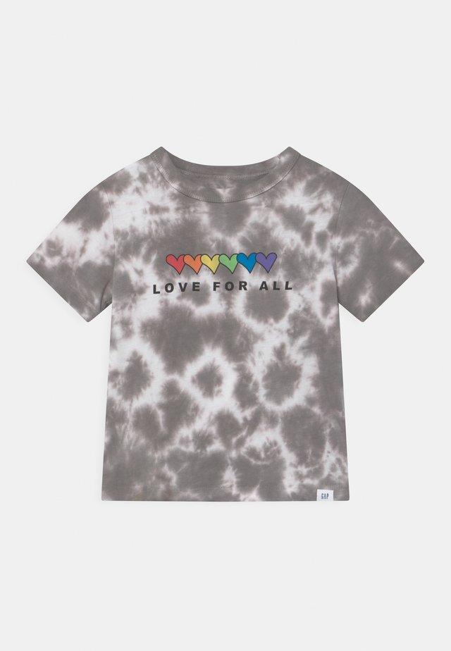 TODDLER BOY PRIDE TEE - T-shirt print - grey