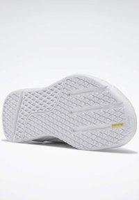 Reebok - REEBOK NANO X SHOES - Sneaker low - white - 4