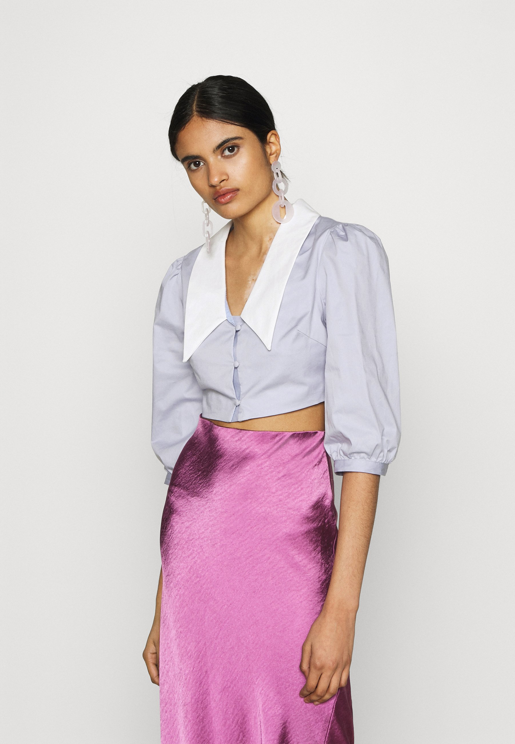 Women CROP WITH CONTRAST COLLAR - Button-down blouse