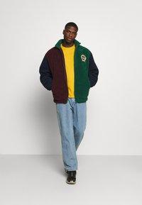Levi's® - ORIGINAL TEE - T-shirt - bas - cool yellow - 1