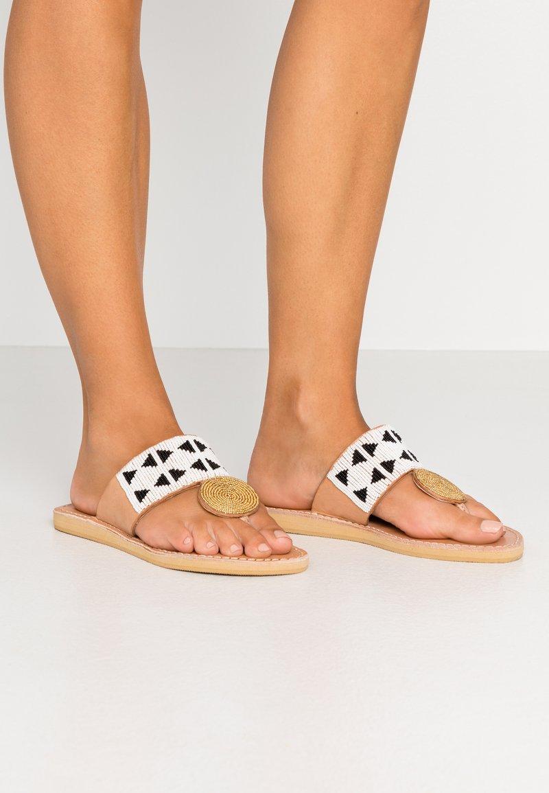 laidbacklondon - HERON  - T-bar sandals - light brown/black/white