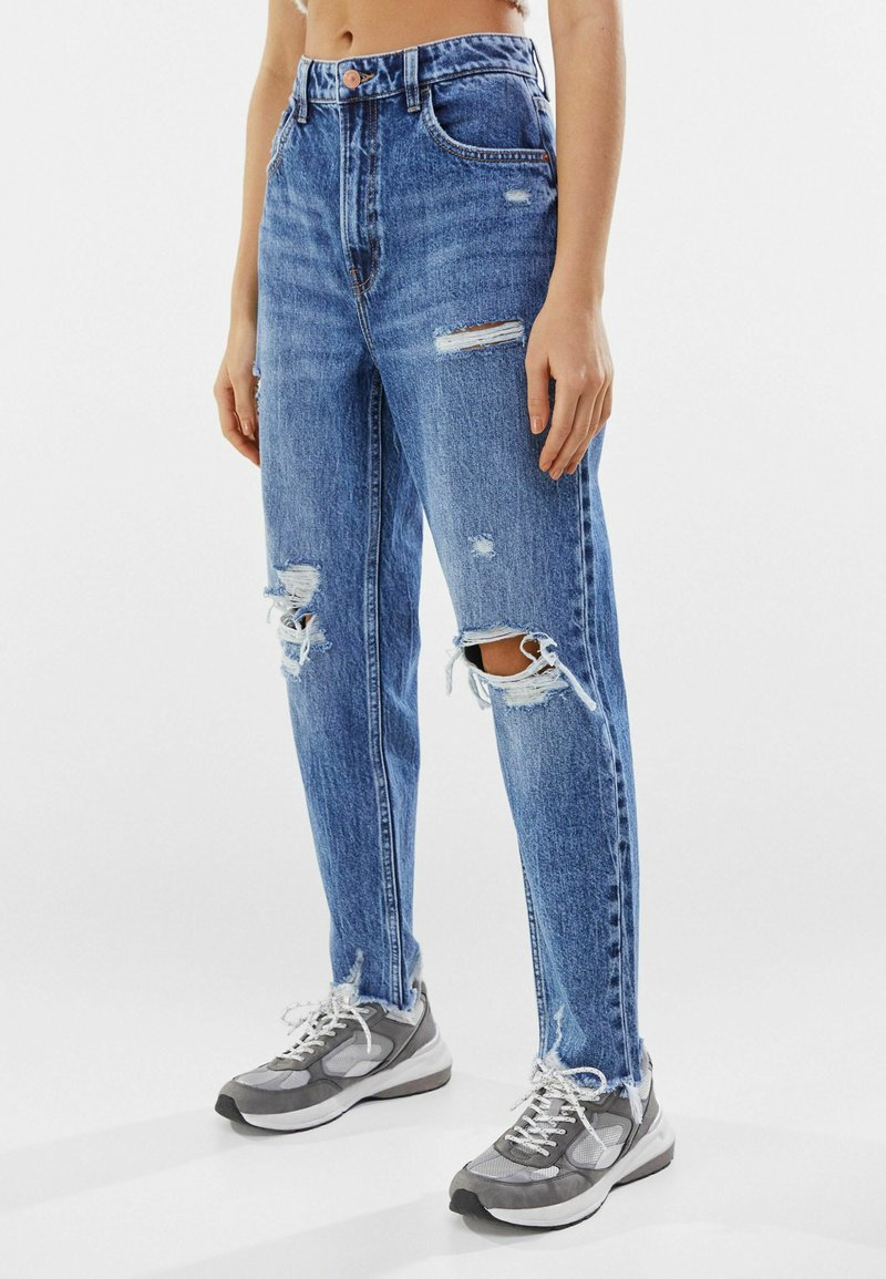 Bershka - MOM FIT JEANS - Relaxed fit jeans - dark blue