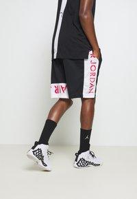 Jordan - AIR SHORT - Sportovní kraťasy - black/white/infrared - 2