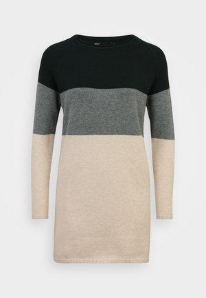 ONLLILLO DRESS PETIT - Jumper dress - june bug/balsam green/oatmeal