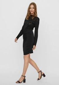 Vero Moda - Pencil skirt - black - 1