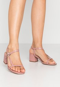 New Look Wide Fit - WIDE FIT TIZZY - Sandaler - light pink - 0