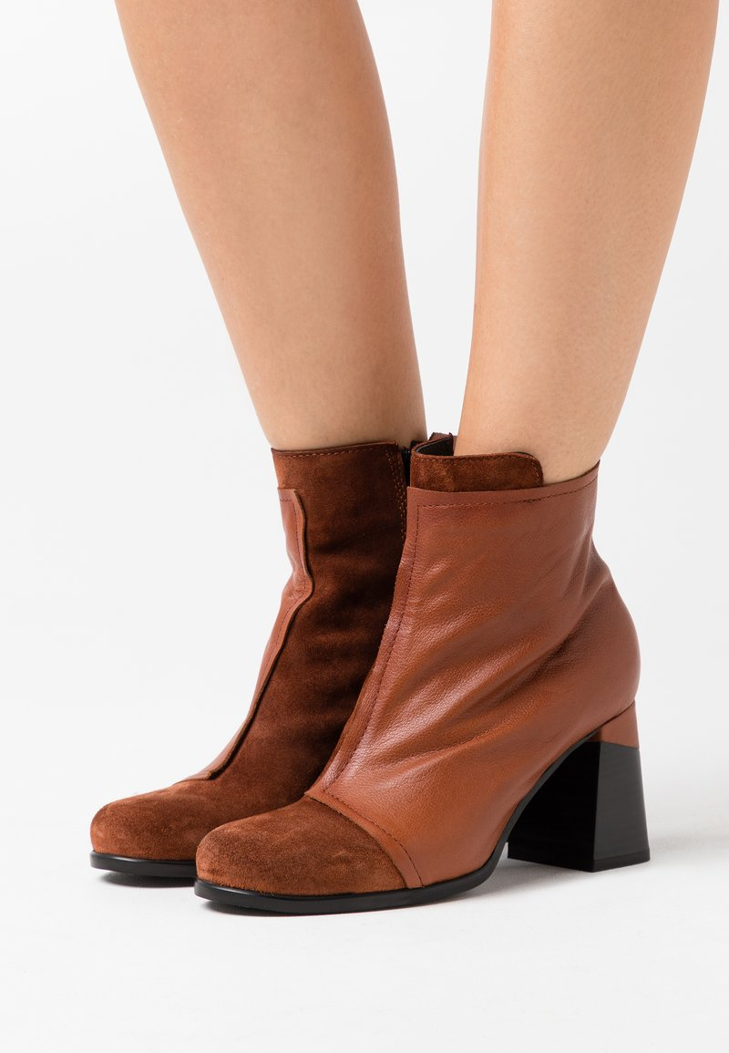 lilimill - High heeled ankle boots - prince coroil almond