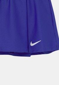 Nike Performance - FLOUNCY  - Sportovní sukně - concord/white - 2