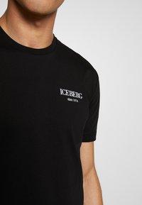 Iceberg - BACK LOGO - T-shirts med print - nero - 4