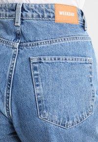 Weekday - ROWE FRESH - Jeans Straight Leg - sky blue - 5