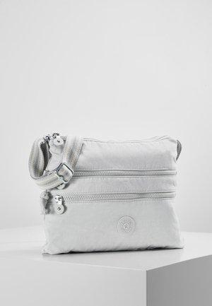 ALVAR - Across body bag - curiosity grey