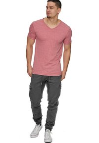 INDICODE JEANS - LEVI - Cargo trousers - raven - 1