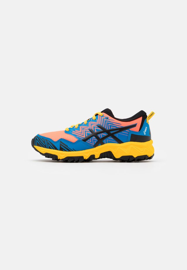 GEL-FUJITRABUCO 8 - Trail running shoes - directoire blue/black