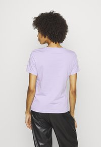 Guess - ICON  - Print T-shirt - lilac future - 2