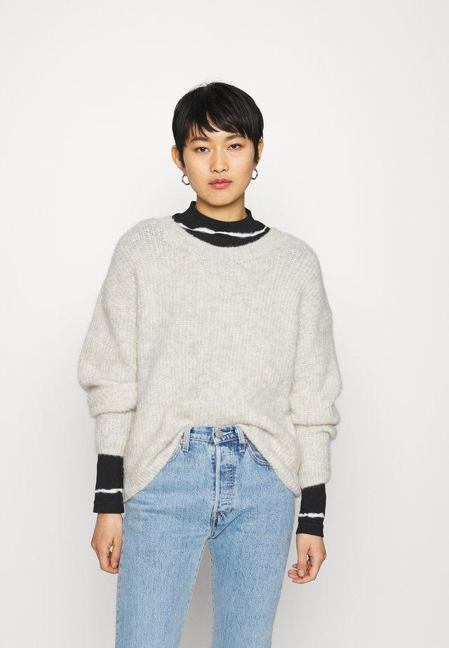 EAST - Pullover - light grey