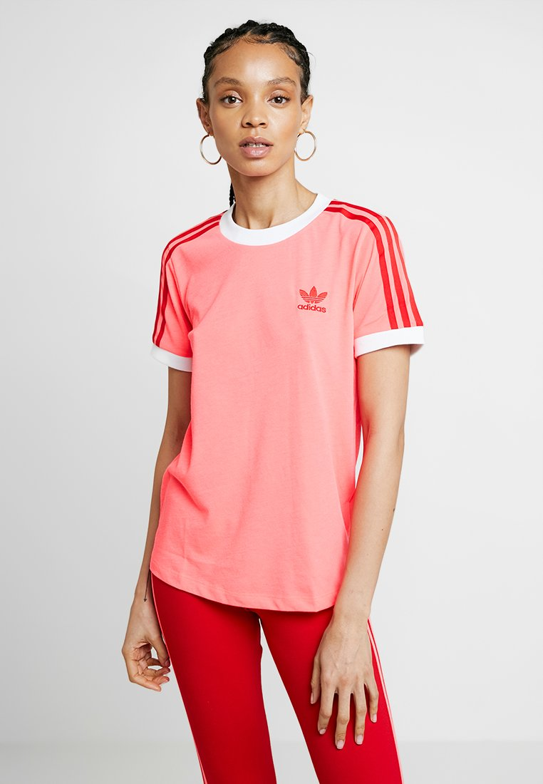 adidas Originals - TEE - T-shirts med print - flash red