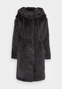 VMSUIEIRKA LONG HOODED COAT - Winter coat - asphalt as sample