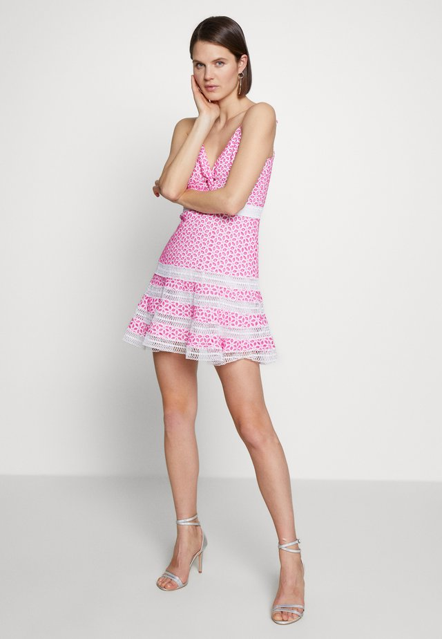 CAMILLE DRESS - Day dress - shock pink