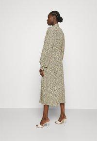 ARKET - DRESS - Košilové šaty - flower - 2