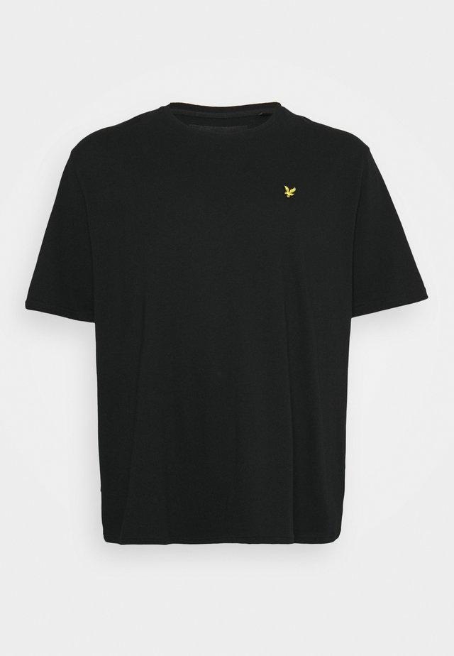 PLUS PLAIN - Basic T-shirt - jet black