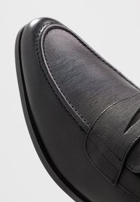 Office - MARIO LOAFER - Mocassini eleganti - black - 5