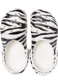Crocs - ANIMAL PRINT  - Zoccoli - white / zebra print - 3