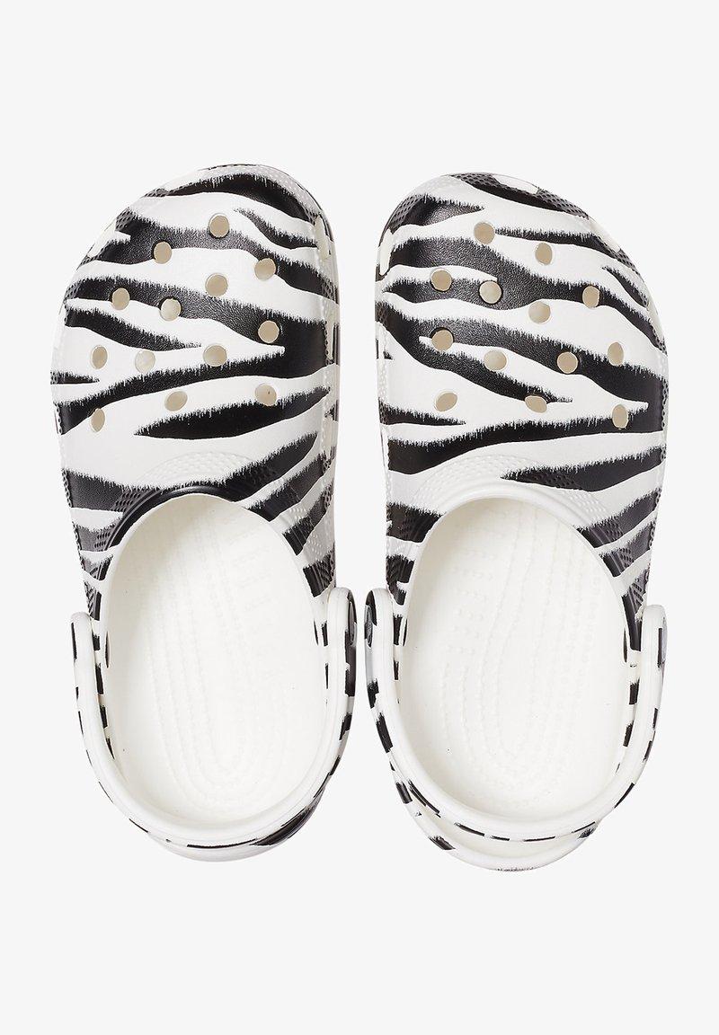 Crocs - ANIMAL PRINT  - Drewniaki i Chodaki - white / zebra print