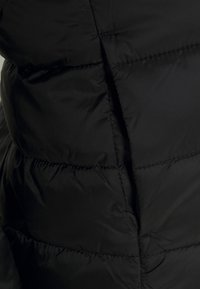 ONLY - ONLSANDIE QUILTED JACKET - Light jacket - black - 4