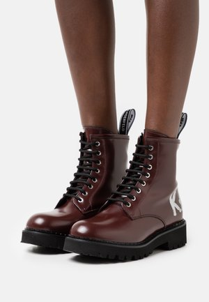 TROUPE BRUSH LOGO BOOT HI - Lace-up ankle boots - wine