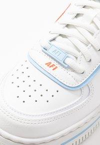 Nike Sportswear - AIR FORCE 1 SHADOW - Sneakers laag - summit white/team orange/psychic blue/white - 6