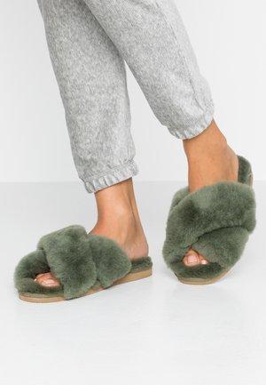 LOVISA - Slippers - olive
