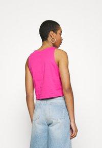 Calvin Klein Jeans - TONAL MONOGRAM TANK - Top - party pink - 2