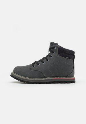 DORADO LIFESTYLE SHOE WP - Snowboots  - titanio