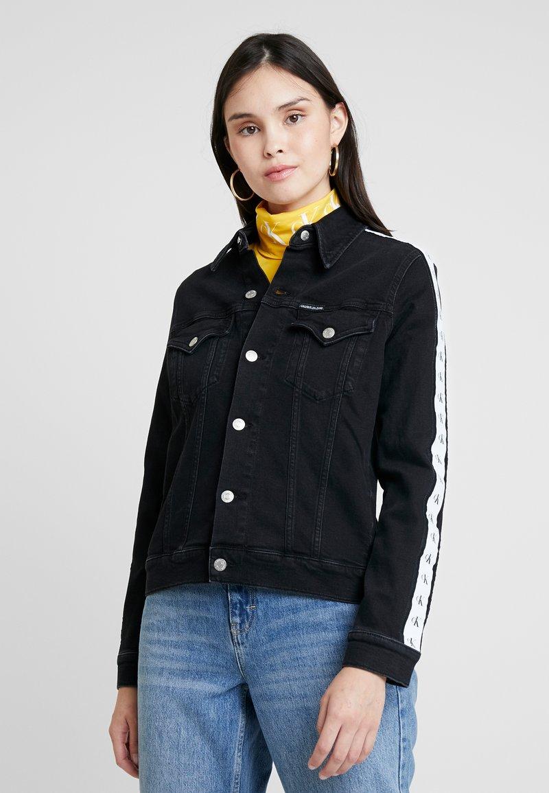 Calvin Klein Jeans - FOUNDATION TRUCKER - Džínová bunda - horizon grey split