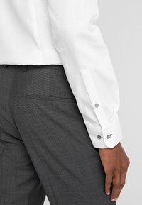 HUGO - HESTEN - Pantaloni eleganti - charcoal - 3