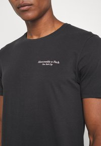 Abercrombie & Fitch - IMAGERY CITY TEE - Print T-shirt - black - 5