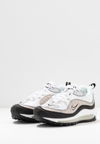 Nike Sportswear - AIR MAX 98 - Joggesko - white/metallic silver/desert sand/black - 4