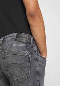 Tommy Jeans - SCANTON - Denim shorts - court - 3
