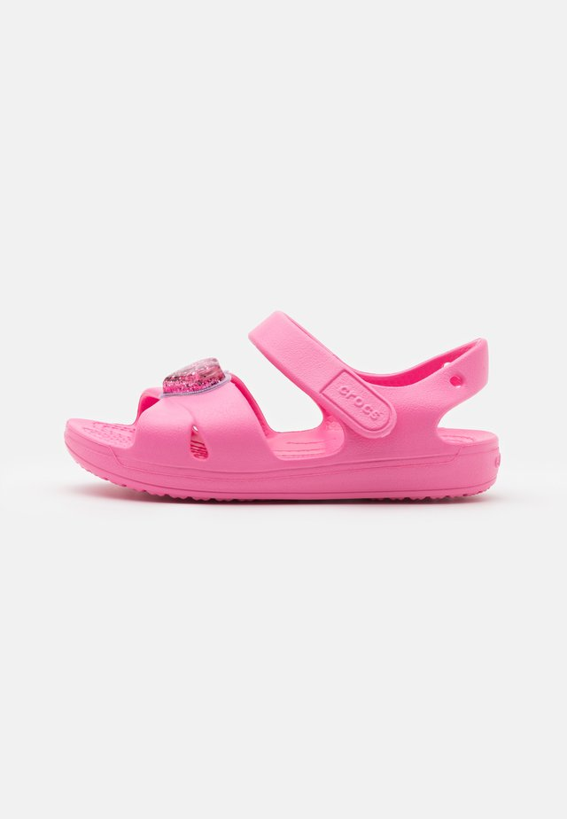 CLASSIC CROSS STRAP CHARM - Pool slides - pink lemonade