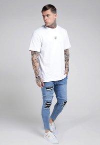 SIKSILK - BURST KNEE LOW RISE - Jeans Skinny Fit - midstone - 1