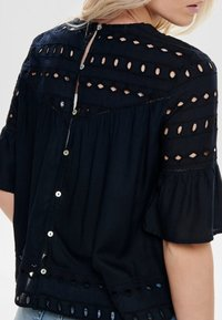 ONLY - ONLIRINA ANGLAISE - Blouse - insignia blue - 3