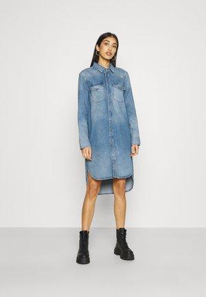 BLANCHE - Denimové šaty - denim blue