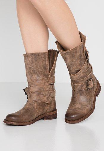 GREDO - Cowboy/Biker boots - noumerat camel