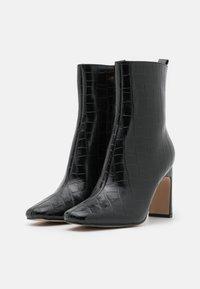 RAID - HURSTON - Kotníkové boty - black - 2