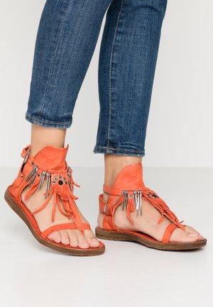 T-bar sandals - corallo