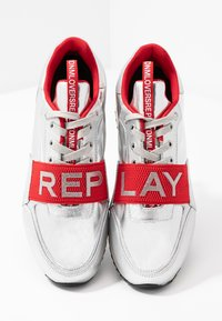 Replay - MEW - Trainers - silver/red - 7